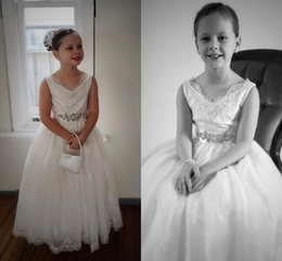 Wholesale Lace Crystal Arabic Flower Girl Dresses Ball Gown Vintage Child Pageant Dresses Holy Communion Flower Girl Wedding Dresses F49
