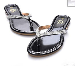 Wholesale Newest Women Flat Sandals Slippers lady teen Big Size Summer leather Rhinestone T Strap Flip Flops beach Shoes black white drop shipping