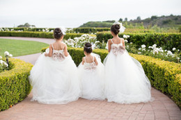 Wholesale Cute Cheap Ball Gown Flower Girl Dresses Wedding Gowns Big Bow Knot Tulle Floor Length Lace White Ivory Flower GirlDresses for Wedding