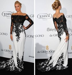 Descuento alfombra roja del hombro fuera Byparis Hilton De Grisogono Fatale vestidos de noche de manga larga en Cannes Francia puede fuera de hombro blanco negro Celebrity vestidos de alfombra roja