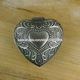Wholesale Antique Heart Hinged Metal Jewelry Box Alloy Pewter Carving Princess Jewelry Case Trinket Box Wedding Favors