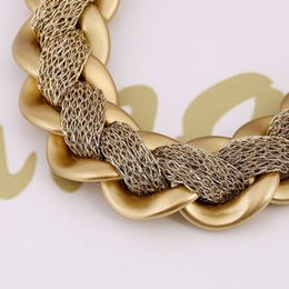 Wholesale Big European and American fashion luxury gold necklace crude acrylic webs wound exaggerated fashion clothing accessories
