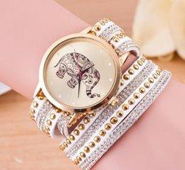 Acheter en ligne Regarder rose d'or-Vente en gros Hot MS 3 tours longue montre Golden Elephant Rhinestone encrusted quartz watch 3495
