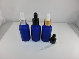 Bouteilles bleu cobalt gros à vendre-100pcs gros Lot 30ml-1 Oz bleu Cobalt givré bouteilles verre/Vails avec compte-gouttes Cap pour essentielles huiles cosmétiques parfums-nouveau