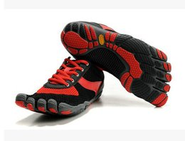 Wholesale Brand Five Fingers Men s Hiking Shoes Climbing Rock Sports Shoes Five Speed Toes outdoor Walking Shoes Barefoot Sneakers Athletic Shoes
