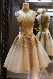 2019 High Neck Wedding Dresses Sleeveless Bow Sash Ruffles Applique A-Line Champagne Lace Vintage Short Wedding Gowns Hot Sales Custom Made