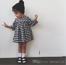 2015 fashion summer girls dress black and white lattice dress long sleeve dress girls kids jumpersuits BY0000