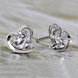 925 sterling silver earrings sterling silver ear jewelry soft heart-shaped earrings jewelry Korean version of Europe