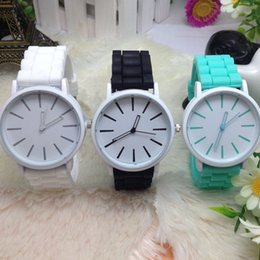 Wholesale Hot Sale Top Quailty Geneva Silicone Jelly Watch Han Edition Fashion Color Table Manufacturers Selling Jelly Students