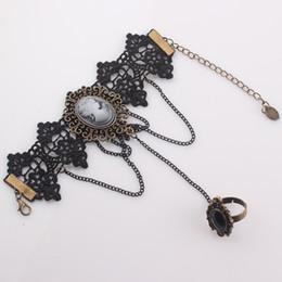 Wholesale Vintage Female Finger Bracelet Set Gothic Beauty Head Lace Bracelet Bangles Handmade Women Jewelry Lover Gift B428
