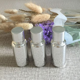 Silver 15ml essential oil glass bottle with ribbed cap , wholesale bottle-grade sub-bottling ,essential oil sample bottle