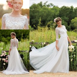 2019 Spring Wedding Dresses with Half Sleeves Plus Size Scoop Tulle Floor Length Floral Appliqued Lace Bridal Gowns