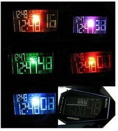 Wholesale Korean couple models new unisex watches electronic table arrow super cool with light tide table