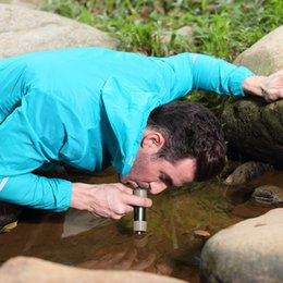 Promotion énergie ups Amping randonnée sécurité survie filtres jusqu'à l'eau douce sans utiliser de produits chimiques à l'extérieur système de purification d'eau L630 peut économiser l'énergie ...