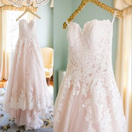 Blush Pink Hot A Line Lace Wedding Dresses Strapless Tulle Appliqued Zipper Back Sweep Train Wedding Bridal Gowns Party Dresses BA1748