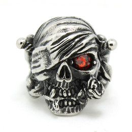 Wholesale Men s Rock L Stainless Steel Top Quality One eyed Pirate Skull Ring Cool Band Party Ruby Eyes Skull Mens Ring