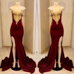 Long Dark Red Prom Dresses 2019 Sexy Strapless Gold Applique With High Slit Party Dress Floor Length Formal Evening Gowns