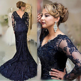 Plus Size Long Sleeve Navy Blue Lace Mother Of The Bride Dresses 2019 V Neck Beads Women Party Evening Gowns Wedding Guest Gowns
