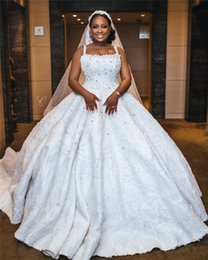 Sexy Applique Beaded Ball Gown Wedding Dress African Open Back Lace Crystal Black Girl Plus Size Bridal Gowns