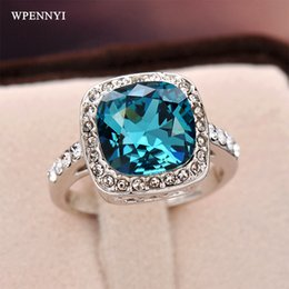 White Gold Color Royal Design Austrian Crystal Surrounded Square Blue Crystal Woman Finger Ring Wholesale Birthday Gifts