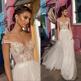 Sexy A-line Wedding Dresses Illusion Off Shoulder Sleeveless Backless Bride Gown Lace Applique Bridal Gowns