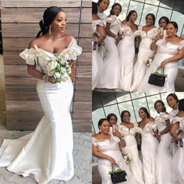 African White Mermaid Bridesmaid Dresses For Wedding Plus Size Off Shoulder Ruffles Maid Of Honor Gowns Satin Sweep Train Bridesmaid Dress