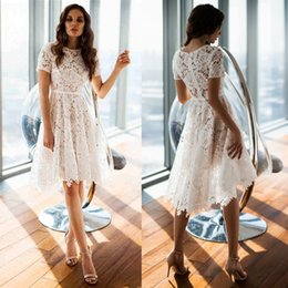 White Lace Homecoming Dresses 2019 Sheer Short Sleeve A Line Jewel Neck Knee Length Cocktail Prom Gowns Girls Occasion Party Wear 2368