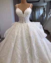 Luxury Arabic Spaghetti Lace Appliqued Ball Gown Wedding Dress Dubai Vintgae Beaded Vintage Plus Size Bridal Gown