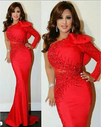 Vintage Red Arabic Evening Gowns Dresses 2019 One Shoulder With Long Sleeves Beaded Mermaid Formal Prom Party Dresses With Bow