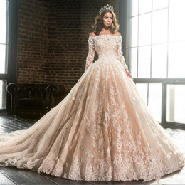 Designer Champagne Boat Neck Long Sleeves Lace Appliques Ball Gown Wedding Dresses 2019 Off Shoulder Flowers Puffy Quinceanera Dress BA9900