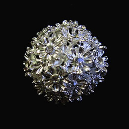 Silver Crystal Flower Brooch Zinc Alloy Small Flower Party Custome Pin Accessory
