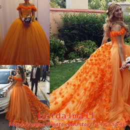 2019 Orange Tulle Long Evening Dresses with Handwork Flowers Off-shoulder Sweet 16 Quinceanera Ball Gowns Lace Up Back Formal Party Dress