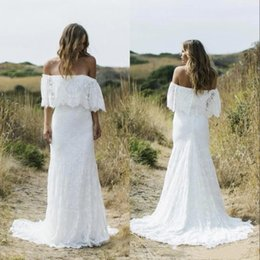2019 Full Lace Country Boho Mermaid Wedding Dresses Off The Shoulder Sweep Train Short Sleeves Cheap Beach Bohemian Bridal Gowns BC1975