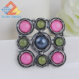 Vintage Brooch Hot Sale Retro Fashion Gold Alloy Colorful Resin Flower Shape Women's Brooch Exquisite Brooch For Ladies Dress