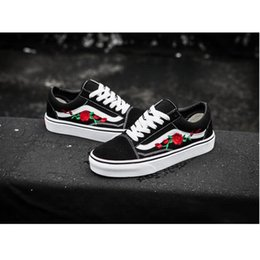 2019 New AMAC Customs Men Women Skateboard Shoes Rose Embroidery Sports Old Skool Skate Womens Canvas Designer Shoe Size 35-45