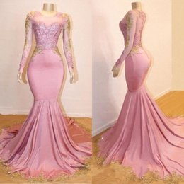2019 Pink Sheer Long Sleeves Mermaid Long Prom Dresses Black Girls Gold Lace Applique Sweep Train Formal Party Evening Gowns BC0589