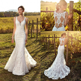 2019 Charming Vintage V Neck Lace Mermaid Wedding Dresses Tulle Applique Sweep Train Arabic Bohemia Wedding Bridal Gowns With Buttons BC1107