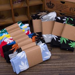 Wholesale 32 styles Hot High Crew Socks Skateboard hiphop socks Leaf Maple Leaves Stockings Cotton Unisex Plantlife Socks E377