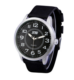 Wholesale Moment of beauty fashion nylon belt business genuine quartz watch movement new cloth table manufacturers B