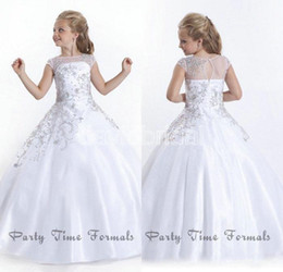 Cheap Crystal Short Sleeves Girls Pageant Dresses 2016 White Flower Girl Dresses Gowns Little Girls Pageant Dresses Size Little Girls Gowns