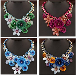Fashion Necklaces Transparent Big Resin Women Necklace Crystal Flower Vintage Choker Statement Necklace Fashion Jewelry