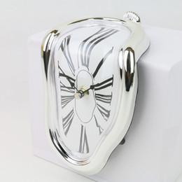 Wholesale Novel Degrees Haven Shelf Sitter Clock Quartz Clock Dali Inspired Timepiece Home Decorator Assorted Color