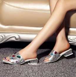 Wholesale Bohenmian Low Heel Sandals Slippers for Women Summer Colorful Crystals Diamond Fashion Sheep Slippers Sandals