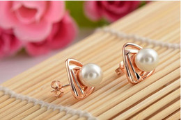 Wholesale Crown of the latest fashion accessories market High grade pearl jewelry three piece G071