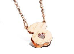 Wholesale HQ oro blanco plateado nunca se desvanecen sin níquel en forma de corazón de diamante Inglés clip de color rosa collar de diamantes colgantes de oso alma gemela