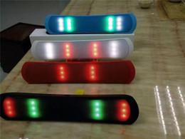 Boîte de haut-parleur de radio à vendre-Danse LED Mise à jour B-13 B13L Pill Pulse Bluetooth Mini haut-parleur stéréo sans fil Audio Sound Light FM Radio Player Box DHL gratuit