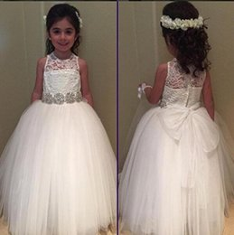Wholesale Lace Covered Tulle White Princess Flower Girl Dresses Tiered Beaded Crystal Sash Puffy A Line Bohemian Girl Wedding Party Pageant Gowns