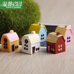 Wholesale mini microlandschaft cute craft colors small rural house Chinese house moss micro landscape ornaments resin ornaments deco