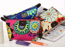 Wholesale New arrive hot sell Cosmetic Bag Women s Lady Travel Makeup Bags Pouch Clutch Handbag candy zero wallet nylon zipper purses trade2018