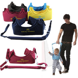 Wholesale Adjustable Baby Toddler Walking Assistant Dad and Mom Carrier Keeper Learning Walk Safety Reins Harness walker Wings Protection Belt